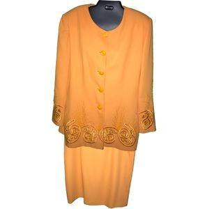 Awesome orange lined plus size skirt suit in 18w